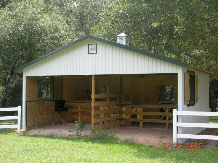 Small horse barns horse barns and sheds on pinterest for Equestrian barn plans