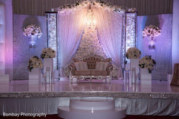 Wedding stage. http://www.maharaniweddings.com/gallery/photo/98447 @ElegantAffairs1