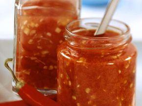 Sambal oelek ist ein Rezept mit frischen Zutaten aus der Kategorie Fruchtgemüse. Probieren Sie dieses und weitere Rezepte von EAT SMARTER!