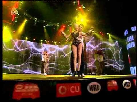 MAD VMA 2011 HQ (ΤΑΜΤΑ - ΖΗΣΕ ΤΟ ΑΠΙΣΤΕΥΤΟ)