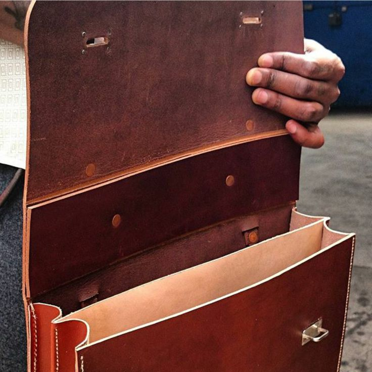 Briefcase by mes leather