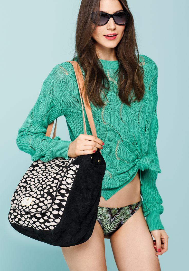 sweater morango. bikini lima. bolso creuza.  http://estore.vitamina.com.ar/lookbook/look-27.html