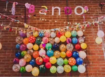 24 best images about block party decorations on pinterest for Balloon decoration ideas without helium