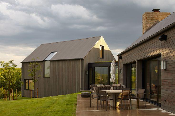 El Dorado creates cedar-clad home for working ranch in Kansas