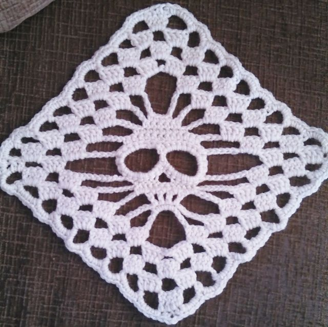 Ravelry: Skull Shawl - Stand Alone Square pattern by Ann ...