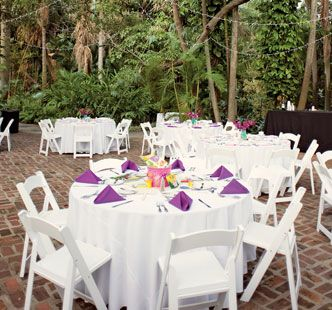 The oak pavilion at Sunken Gardens in St Petersburg is a great spot for an outdoor cocktail hour after your garden wedding!