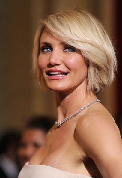 I'm pinning this because I think your face shape is a little like Cameron Diaz's- yours is maybe longer but the jaw is sort of similar