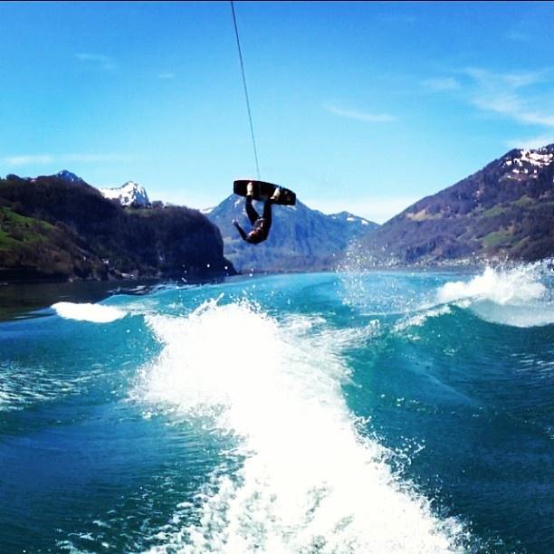 wakeboard shop  wakeboard kaufen  wakeboard lernen  wakeboard wakesurf  wakeboard tricks  wakeboard boot