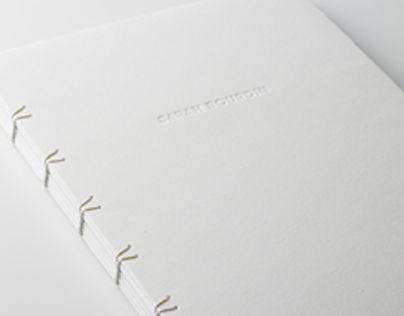 Deux formats : 210x297mm et 210x148 mmTechnique : Indesign