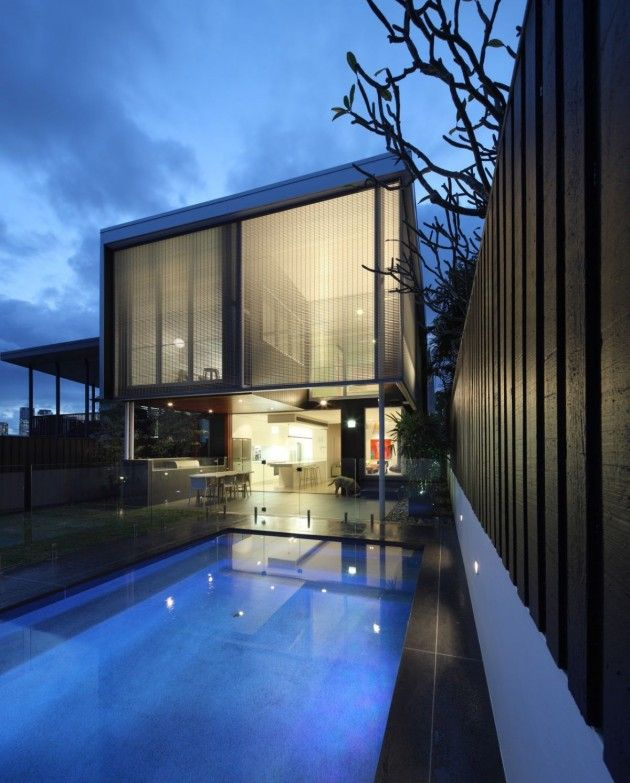 Lovely! Shaun Lockyer Architects have designed 105 Villiers, a house located in Queensland, Australia.