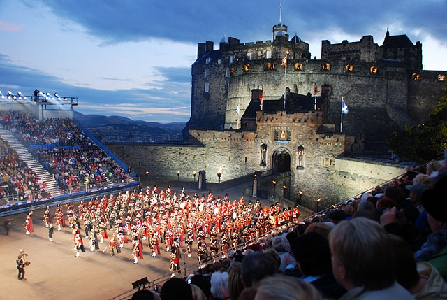 Military Tatoo Festival in Edinburgh (Scotland) by Gaizka Portillo, via Flickr