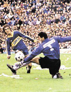 Sergio Goycochea y Batistuta en un clasico Boca vs River