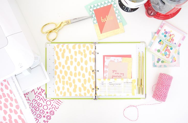 Keep your stationery organized and ready to use with this DIY stationery organizer binder and calendar perfect for remembering all occasions.