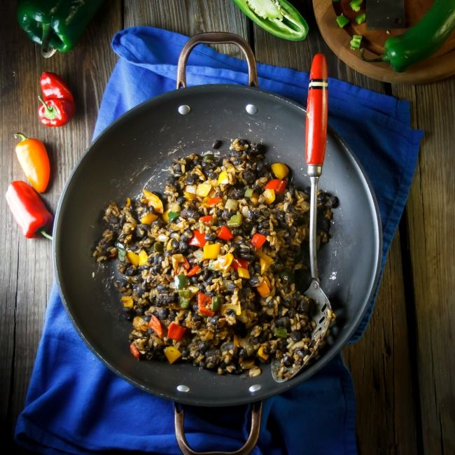 Easy Black Beans and Rice   a spicy, high protein veggie feast