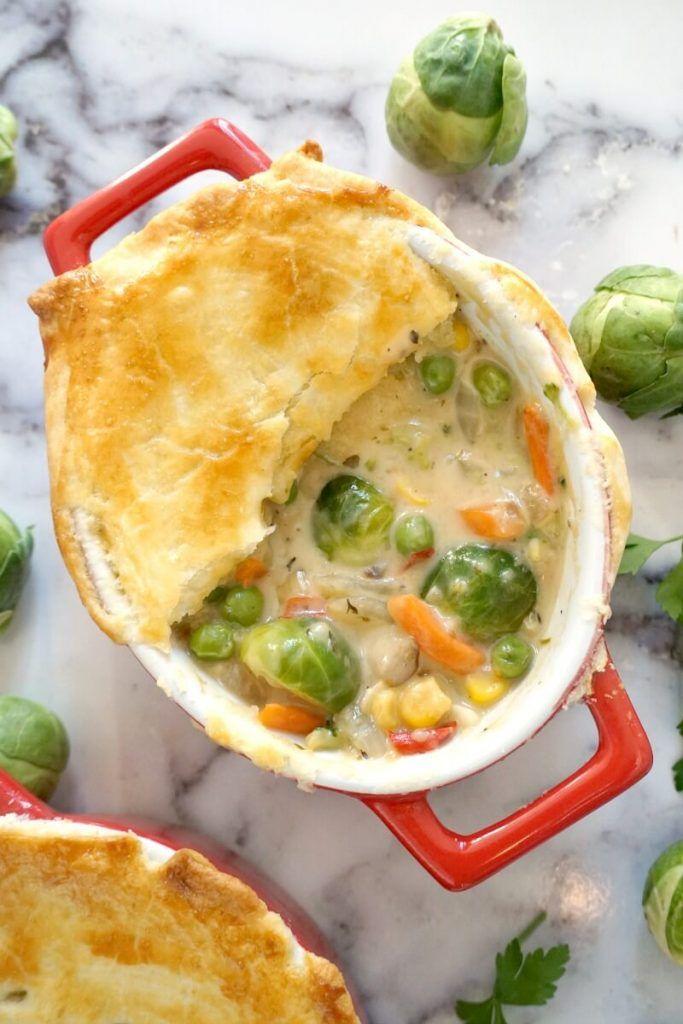 Vegetable Pot Pie In 2020 Vegetarian Pot Pie Vegetarian Pot Pie Recipe Vegetarian Pot Pie Easy
