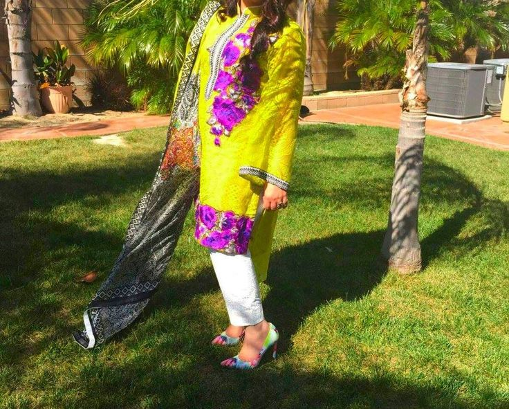 A happy customer sharing picture of her Sana Safinaz original that she ordered from Net Darzi.