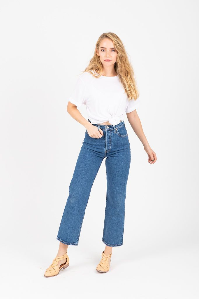dc7bf9bd91ba27 Levi's: Ribcage Jeans in Love Triangle in 2019   S t y l e ...