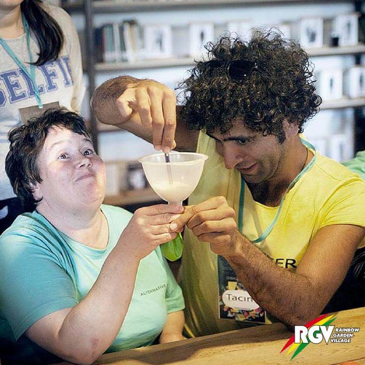#Freiwilligenarbeit mit behinderten Menschen in der Türkei mir #RGV.  #Volunteer work with disabled people in Turkey.