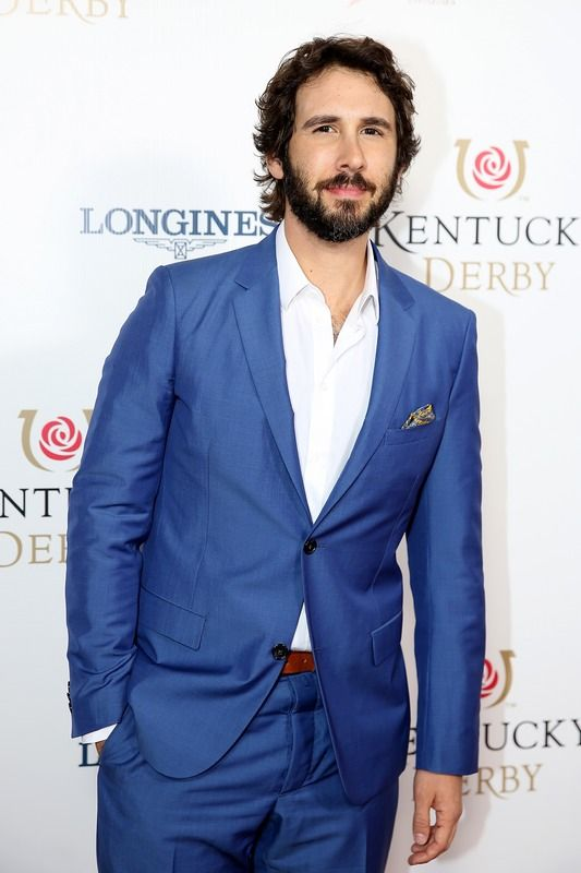 Josh Groban Sings The National Anthem At The Kentucky Derby & His High Notes Are Absolutely Stunning — VIDEO