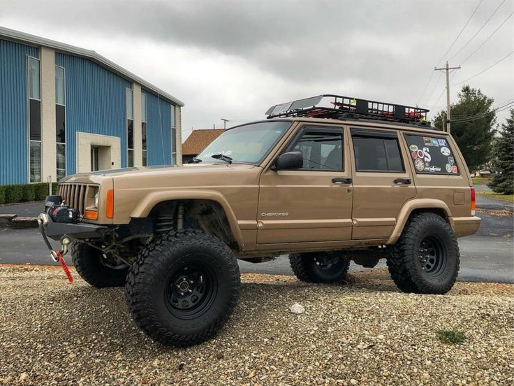 20 Super Clean And Lifted Jeep Cherokee XJs Jeep