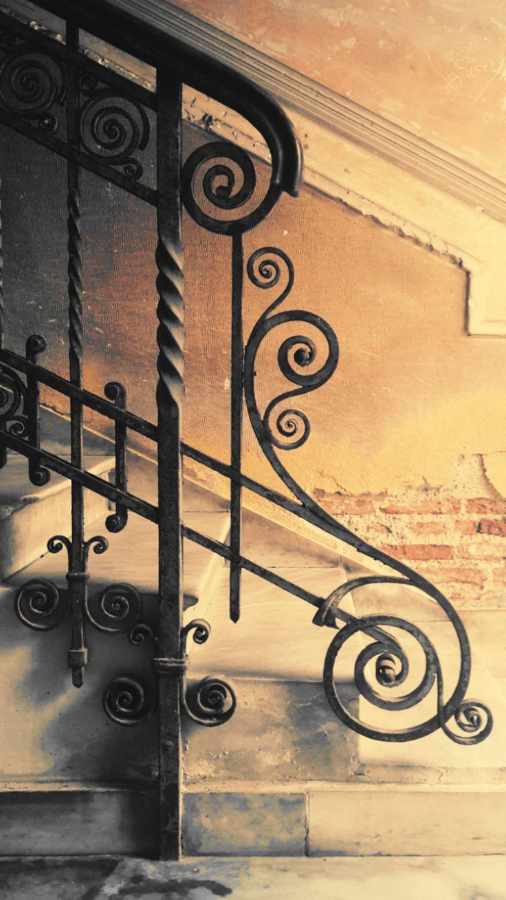 """""""Invece del modulo altri fanno uso della divisione e suddivisione per parti…I vantaggi sono avvezzare la mente a ritenere non solo i rapporti dei membri tra loro, ma quelli ancora delle modanature, tanto fra loro quanto con i membri essenziali…Gioverà far uso dell'uno e dell'altro…così che l'operazione resa più semplice, resterà più impressa nella memoria.""""   A. Noale, Ragionamenti sopra gli ordini dell'italiana Architettura e sopra il loro uso nelle costruzioni, Padova, 1834. Ph FG"""