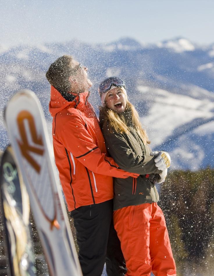 O Ski Resort Vail é localizado no coração das Montanhas Rochosas e tem a maior área esquiável dos Estados Unidos. São tantas as pistas de ski, que qualquer tipo de praticante de ski ou snowboard vai encontrar a sua preferida – dos iniciantes aos mais radicais.