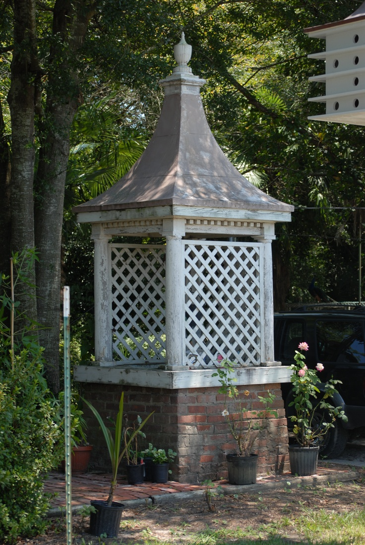 Garden designs with bridges and wishing wells landscaping ideas - Cupola Top For Wishing Well