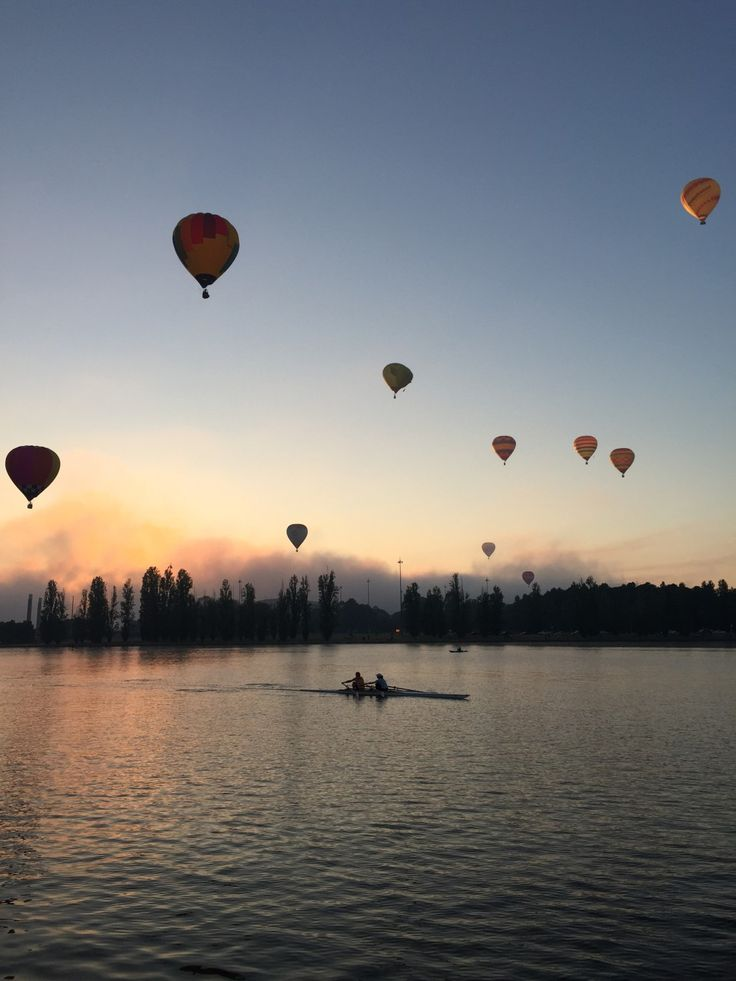 Best vantage points to photograph Canberra's Balloon Spectacular