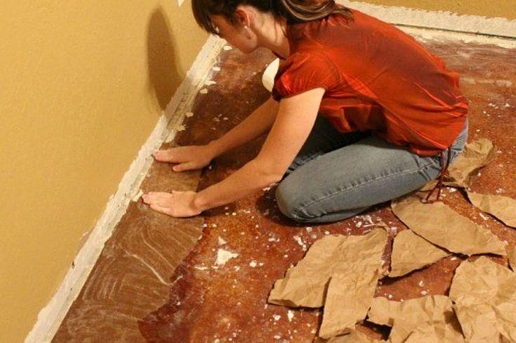 Elle place des sacs en papier sur son plancher, le résultat final est surprenant!