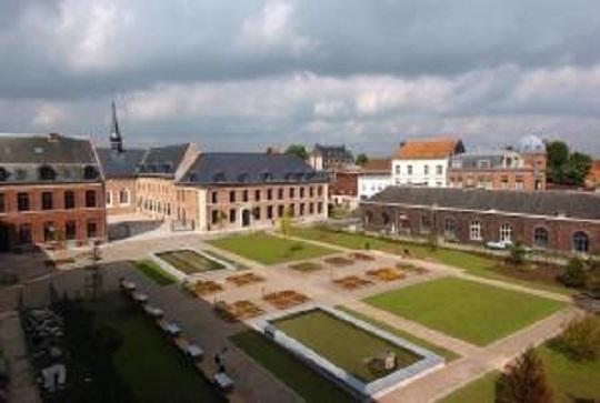 Architecture/ nom: Hospice d'Havré / lieu : Tourcoing / date de création : 1260 / date rehabilité : année 2000/ architecte :Mahaut de Guînes .