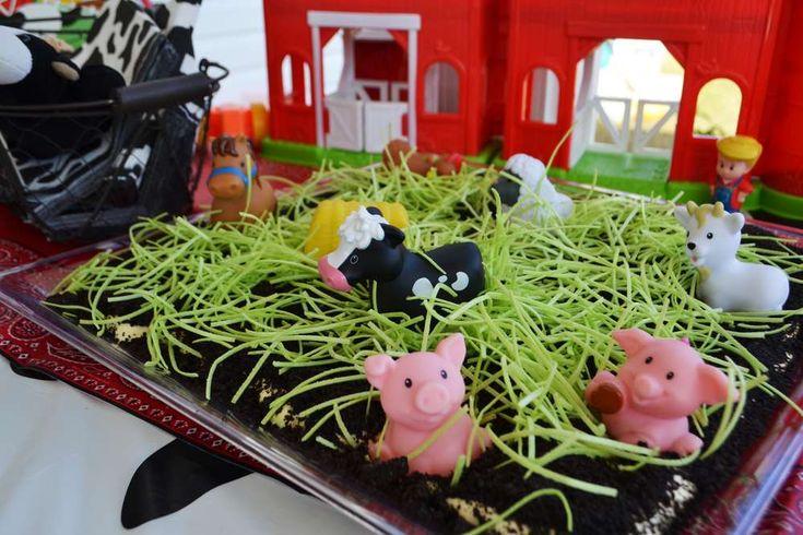 MOO! MOO!  Makenna's TWO!   CatchMyParty.com  #BarnyardParty #FarmParty #Cows #OreoDirtCake