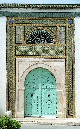 t-a-h-i-t-i: Turquoise door (Tunisia) by Opiliones