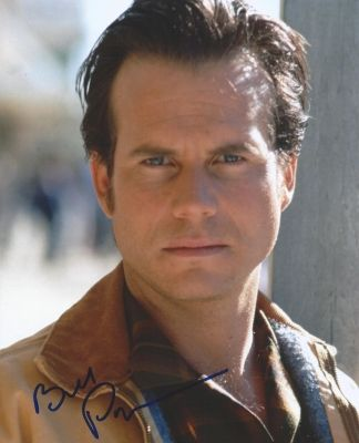 RIP Bill PAXTON! Actor Bill Paxton has died at age 61. Paxton died suddenly on Saturday due to complications from surgery, the family tells TMZ in a statement. Paxton died Saturday while undergoing heart surgery, according to TMZ. He suffered a fatal stroke.