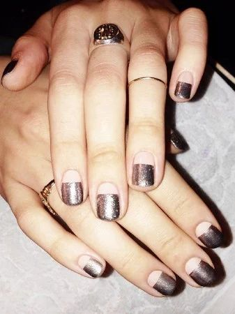 Gorgeous_glittering metallic/nails