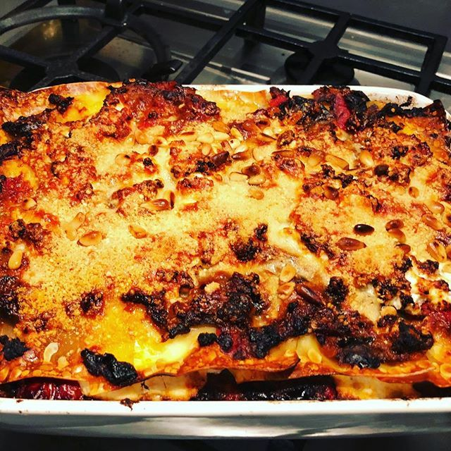 Veggie lasagna with roasted aubergines and peppers! #HomeMade #MangiaBene #TalesFromNW #MealPrep #Vegetarian