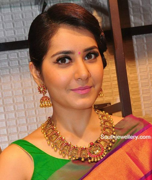 Raashi Khanna in Temple Jewellery photo