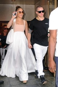 Jennifer Lopez, daughter of Puerto Rican parents, was married to Marc Anthony and had twins in 2008; Max and Emme. Since she started her career, the singer sold over 90 million records. J.Lo was born on the 24th of July 1969 at Castle, in New york. For her birthday, Casper Smart organized a surprise party on a luxury yacht. Lucky Jennifer.. And Happy birthday!!
