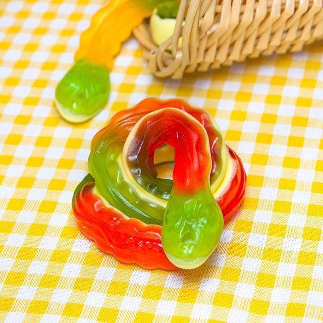 Haribo Anaconda. Ssssssuper lecker!   #haribo #anaconda #naschen #xxl #süßigkeiten  #fruchtgummi #derZuckerbäcker #schaumzucker #süßes #gummischlange #schlange