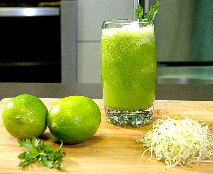 No hay nada mejor que tomar una bebida fresca y que esté llena de nutrientes y vitaminas. No te dejes engañar por el color, es tan rica que hasta los niños la amarán.