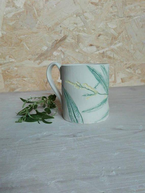 Guarda questo articolo nel mio negozio Etsy https://www.etsy.com/it/listing/523021310/botanical-mug-lemongrasswhite-gres