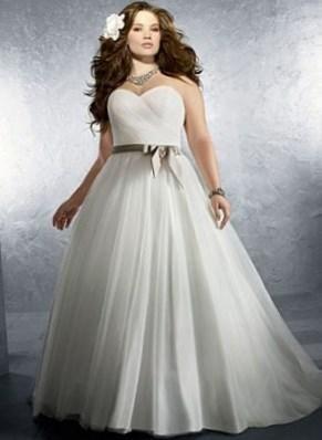 Свадебные платья для полных пышные - http://1svadebnoeplate.ru/svadebnye-platja-dlja-polnyh-pyshnye-2896/ #свадьба #платье #свадебноеплатье #торжество #невеста
