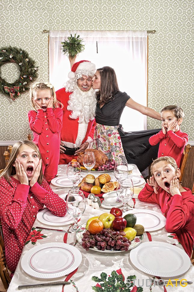 15 Hilarious Holiday Family Photo Ideas You Should Steal via Brit + Co.