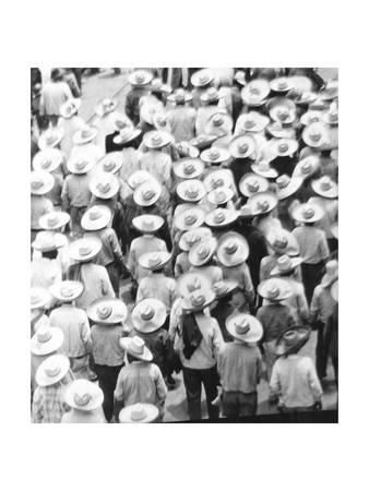 March of the Workers, Mexico City, 1926 Photographic Print by Tina Modotti at Art.com