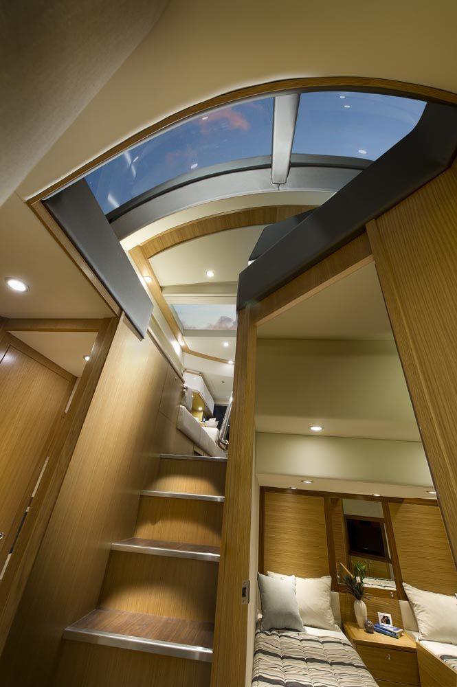Riviera 515 SUV - Stairwell