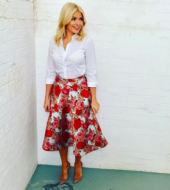 holly willoughby | Holly Willoughby's outfit SELLS OUT within an hour of This Morning ...