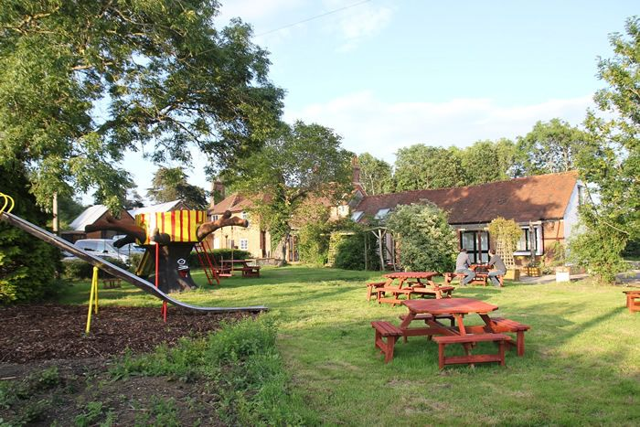 May Garland Inn, Horam, Heathfield, East Sussex, UK, England. Pub. Inn. Bed and Breakfast. Travel. Staycation. Pets Welcome. Garden. Childrens Play Area. Golf Nearby. Wifi.