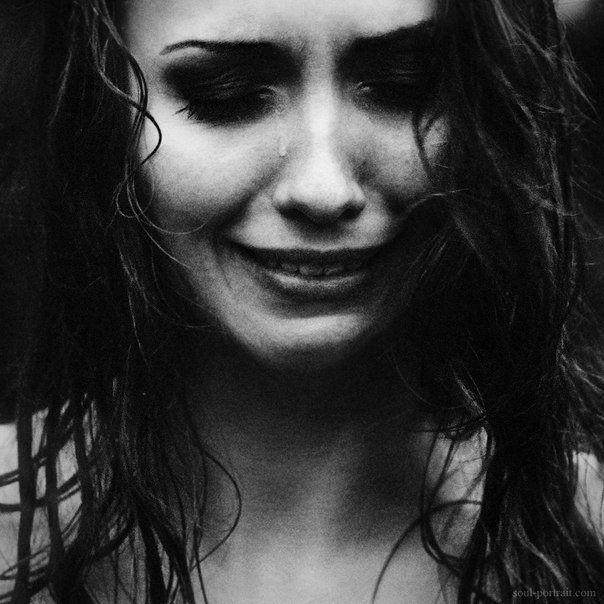 Девушки с грустным лицом картинки