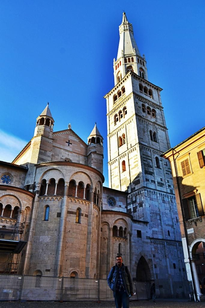 **Ghirlandina (climb to the top for an impressive view) - Modena, Italy