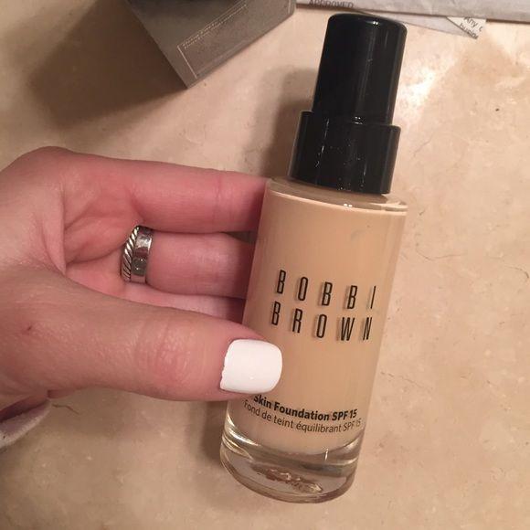 Bobbi brown skin foundation sand 2 Bobbi brown skin foundation sand 2 used once or twice Bobbi Brown Makeup Foundation