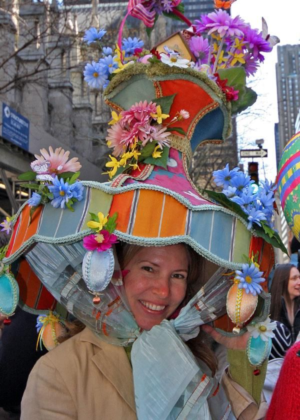 wow look at this hat from the Easter parade in NYC